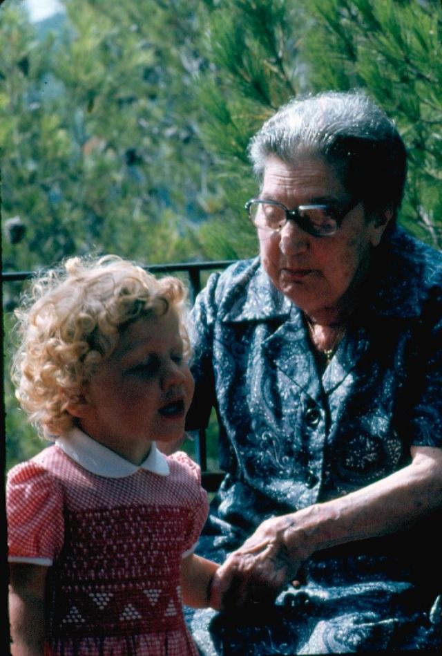 1980_07 Tamariu Joana i Iaia Adelaida Scan 121700023